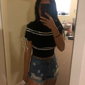 BLACK/WHITE STRIPED KNIT CROP TOP FROM REHAB.